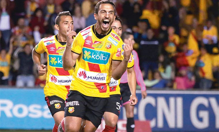 Herediano líder solitario