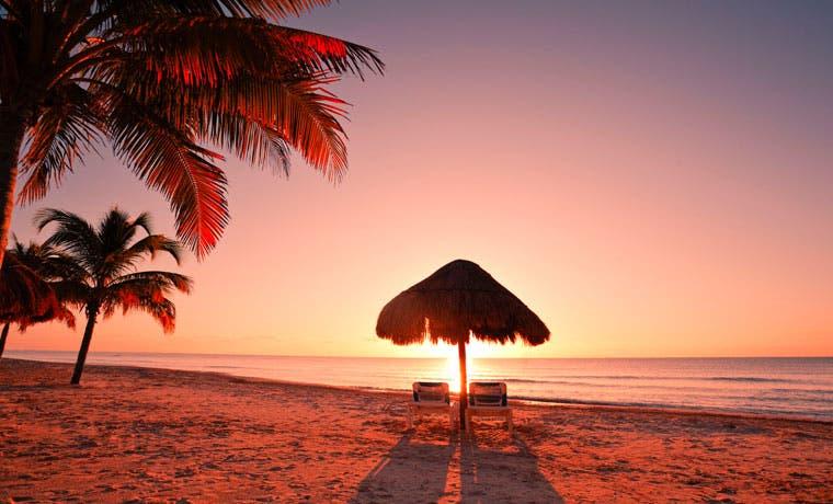 Viaje a Ciudad de México o Cancún desde $399