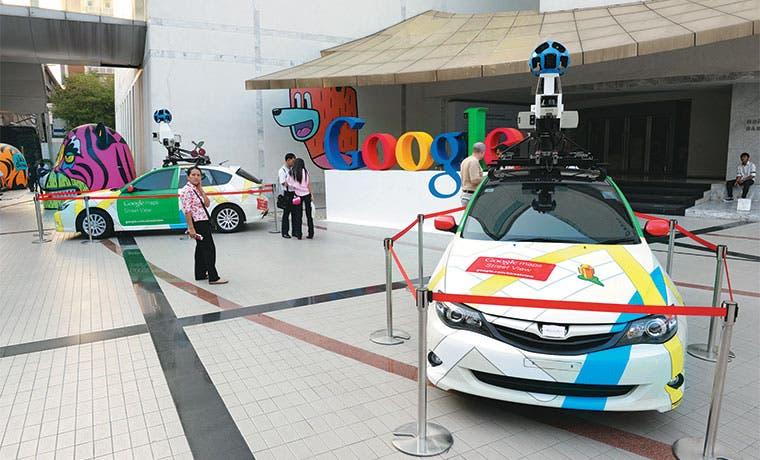Auto sin conductor de Google choca con autobús en Silicon Valley
