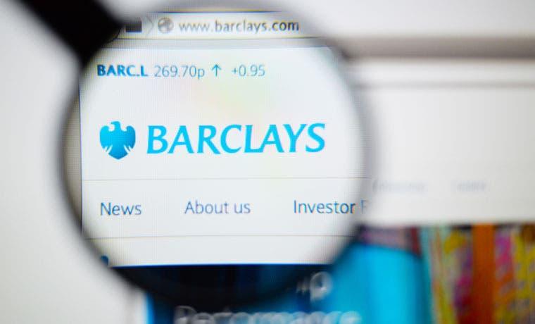 Acciones de Barclays caen con el banco en plena reestructuración