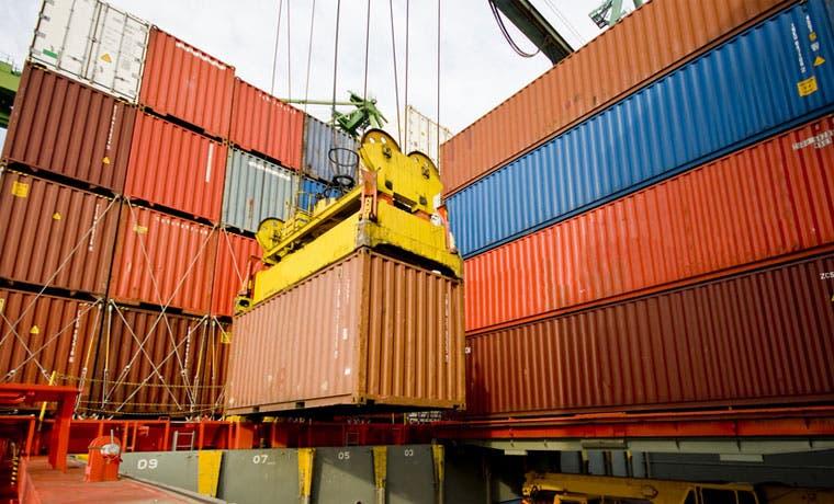Terminal de contenedores cumple un año de construcción