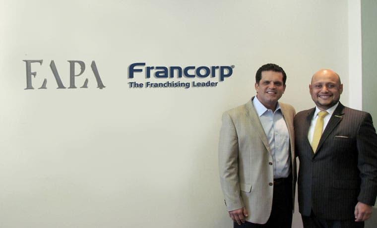 Empresa internacional experta en franquicias abre oficina en el país