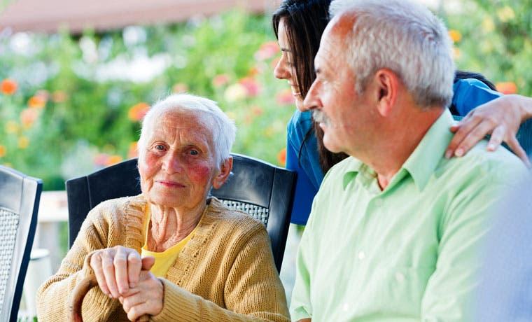 Adultos mayores serán atendidas en su domicilio