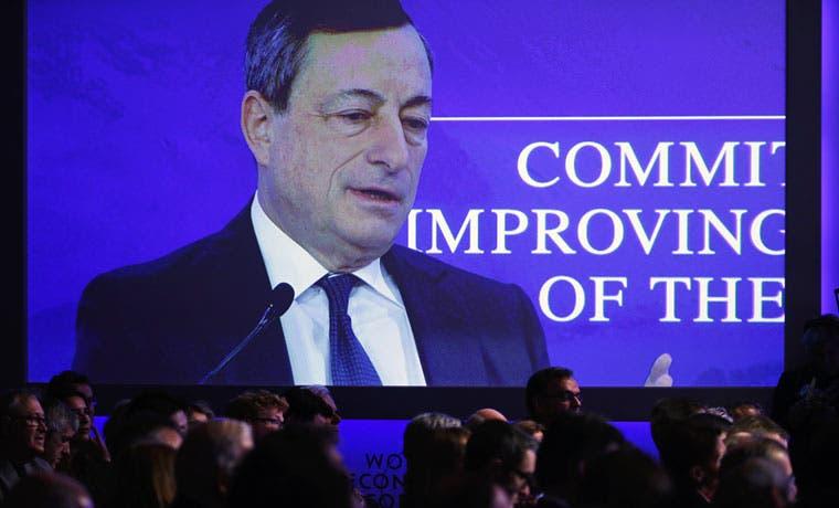 Draghi prevé que inflación de la eurozona será baja durante años