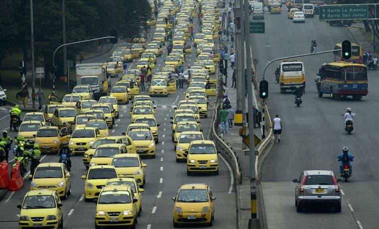 Taxistas colombianos protestan contra Uber