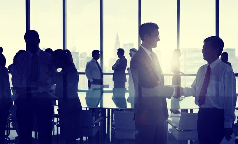 Bac Credomatic busca profesionales en administración y tecnología