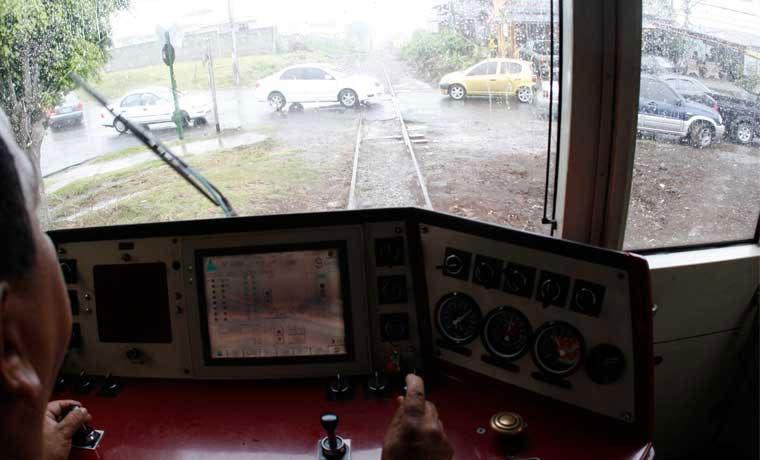 ¿Por qué no se colocaron agujas en 90 cruces del tren?