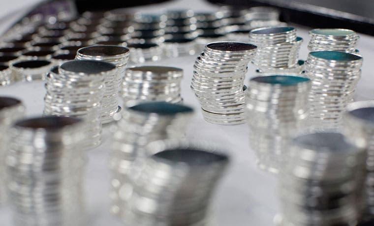 Derrumbe de los metales básicos impulsa accidentalmente la plata