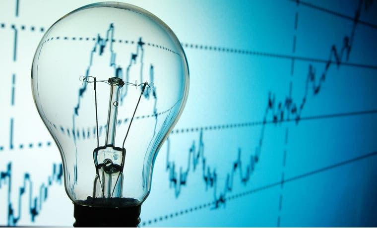 Tarifa de electricidad subirá para abonados de la CNFL y Jasec, pero bajará para el resto