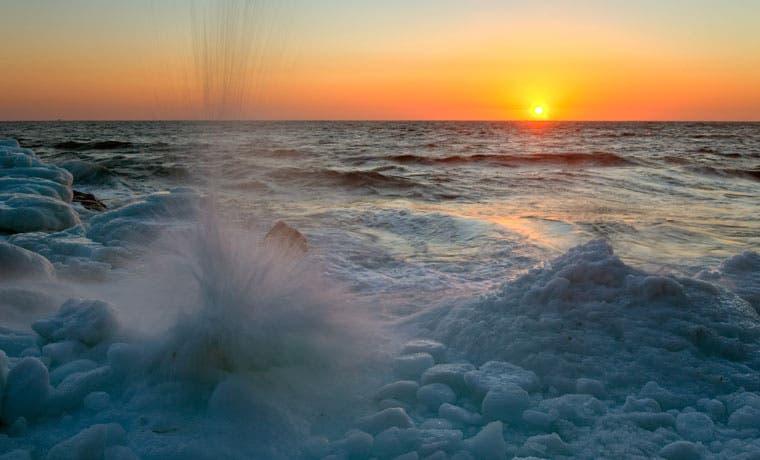Hielo en Océano Ártico declina a récord tras invierno 'absurdo'