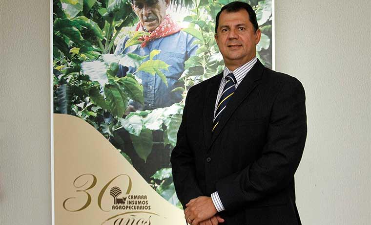 Atraso en reglamento para plaguicidas dificulta competitividad agrícola