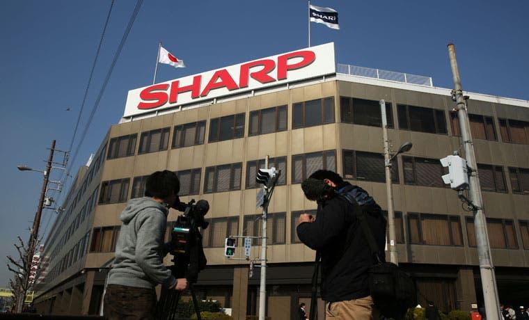 Foxconn obtiene el control de Sharp con una oferta reducida