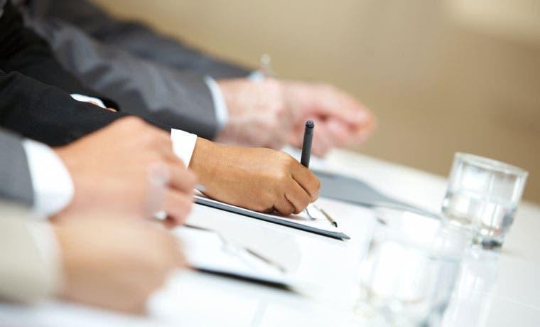 Sindicatos ya pueden recoger firmas para referéndum sobre salario mínimo