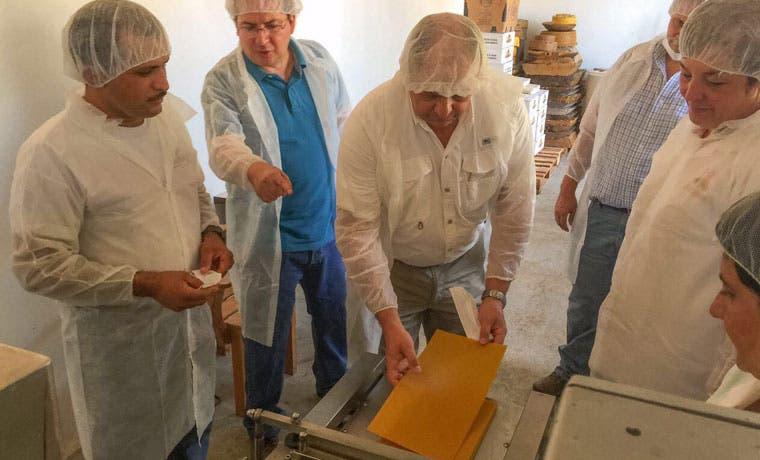 Asociación de Apicultores invierte ¢400 millones en planta de miel tecnificada