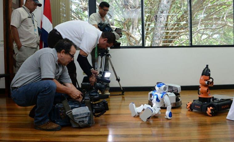 Ya puede inscribirse a RobotiFest UCR 2016