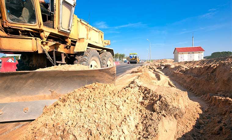 Tres empresas concentran contratos de mantenimiento de vías