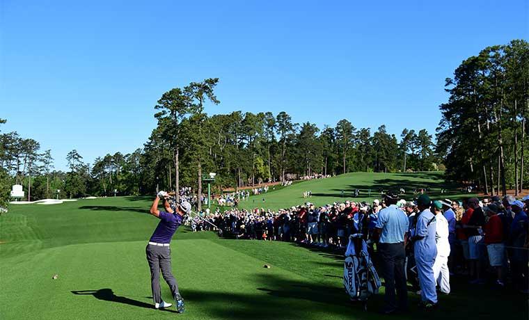 """El """"mundial"""" del golf y un tico"""