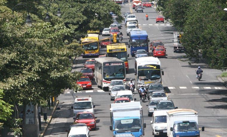 Empresas autobuseras reportan menos pasajeros y más carreras, según Aresep