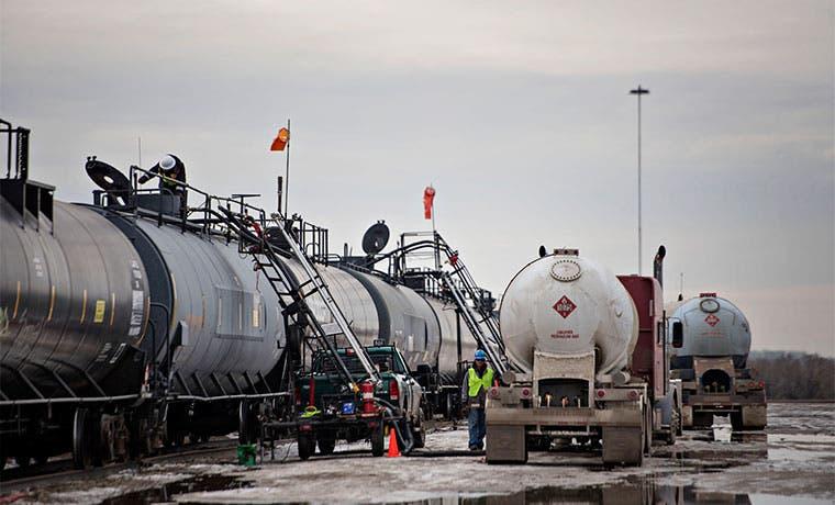 Productores engañan al mercado petrolero, según analista