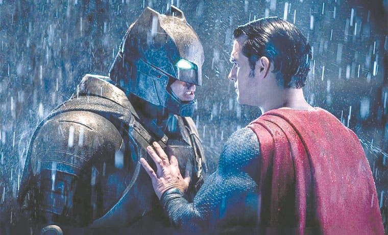 """""""Batman v Superman"""" generaría menos beneficios que Superman"""