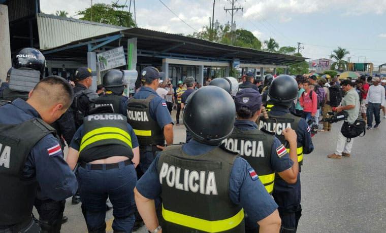 Diputados avalan uso de fuerza policial en frontera con Panamá para evitar ingreso de ilegales