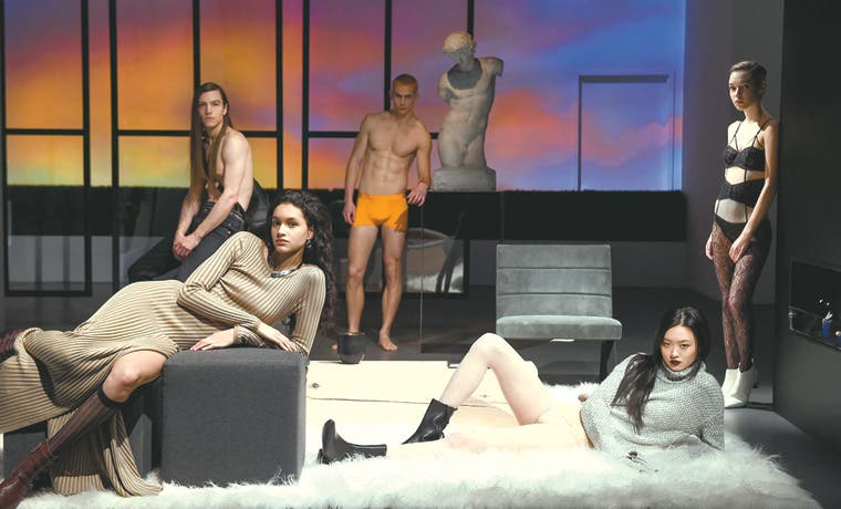Calvin Klein lanza sensual colección