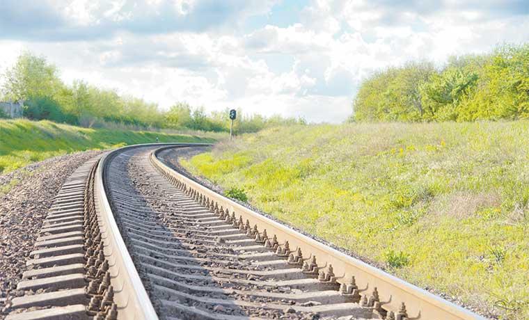Concesión es alternativa para tren urbano