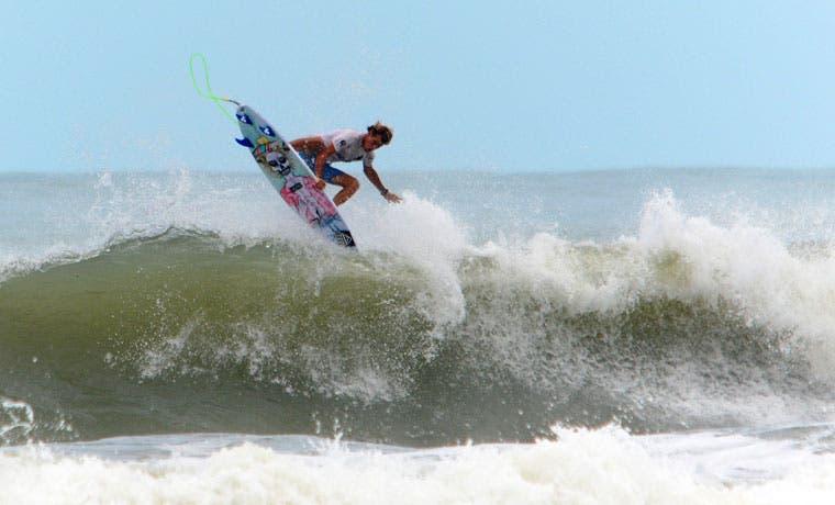 Playa Bejuco albergará competencia de surf nacional