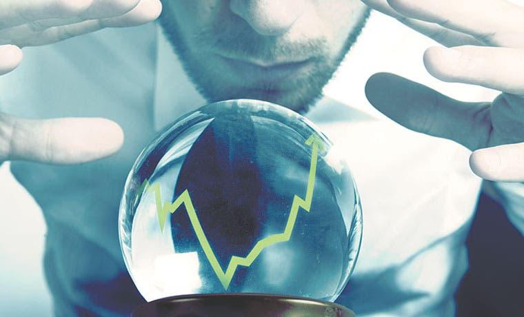 Hacia arriba tipo de cambio e intereses en colones