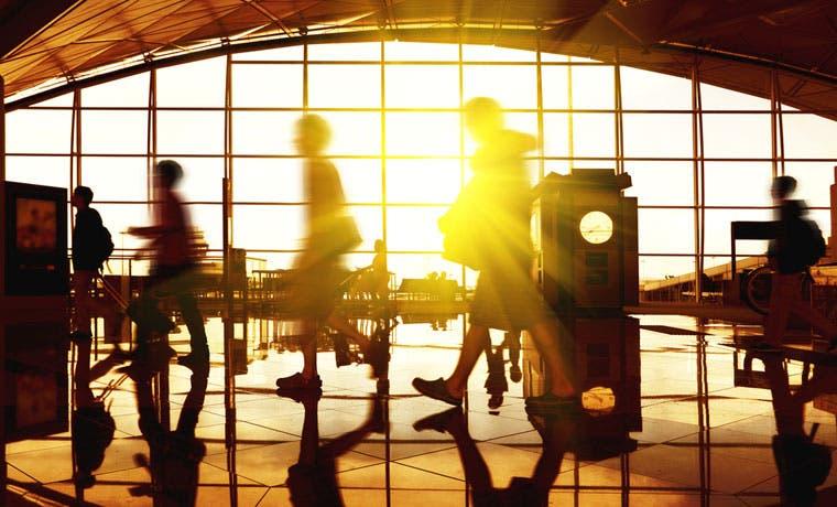 Viajeros del Juan Santamaría tendrán nuevas restricciones de transporte de líquidos