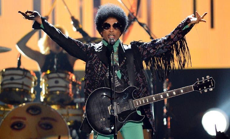 Cantante Prince falleció a los 57 años