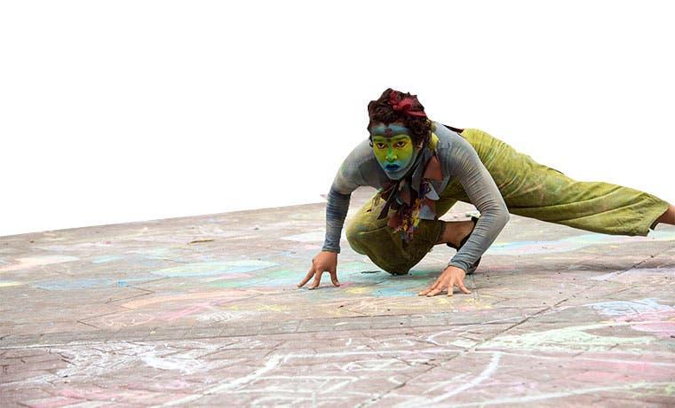 Obra reúne arte circense, danza y teatro
