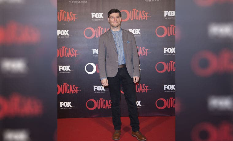 "Serie ""Outcast"" regresa en junio"
