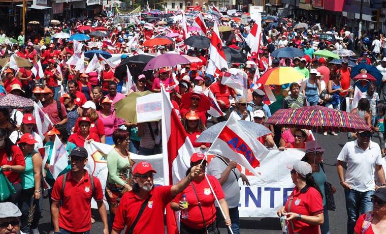 """Ministro de Trabajo ante huelga: """"Tomaremos las medidas administrativas que sean pertinentes"""""""