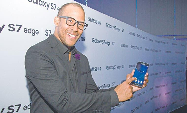 Samsung vende el doble que Apple este año