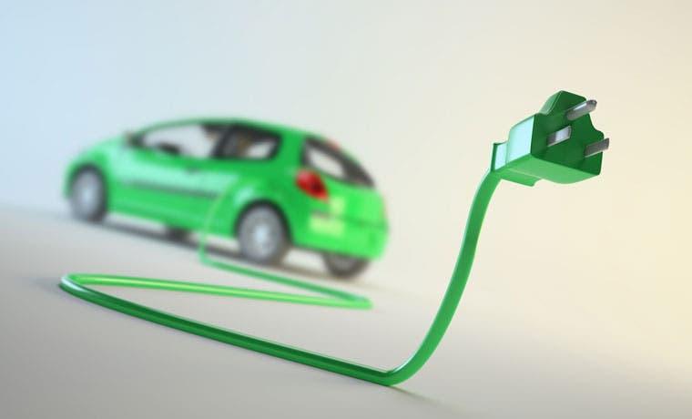 Impulsan uso de carros eléctricos