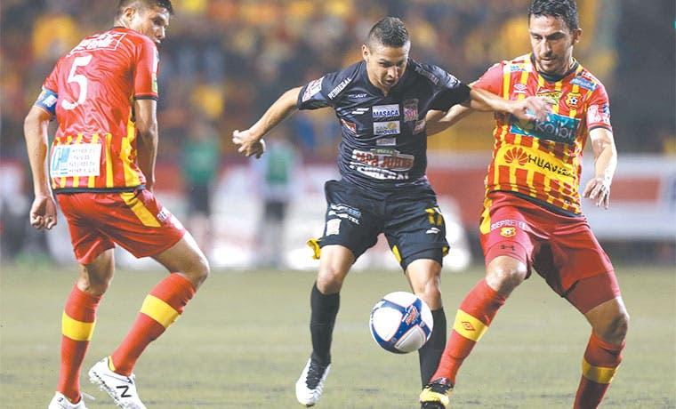 Moreira detiene a Belén
