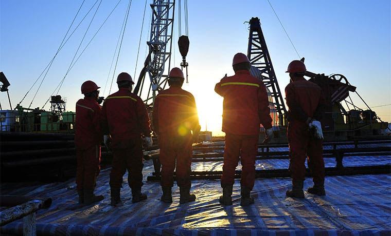 """Productores de crudo necesitan una """"señal de precio sostenido"""""""