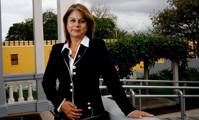Diputados critican a Solís por no liderar debate sobre salarios públicos