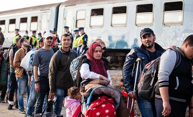 Asesor de Presidente turco amenaza con llenar Europa de refugiados