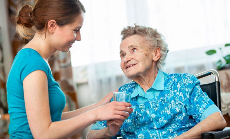 TENA capacitará a cuidadores primerizos de adultos mayores