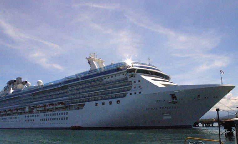 Más de 20 mil turistas viajaron en crucero desde Puerto Limón