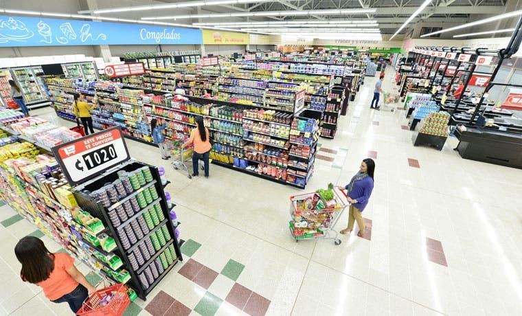 Peri renovó su cadena de supermercados