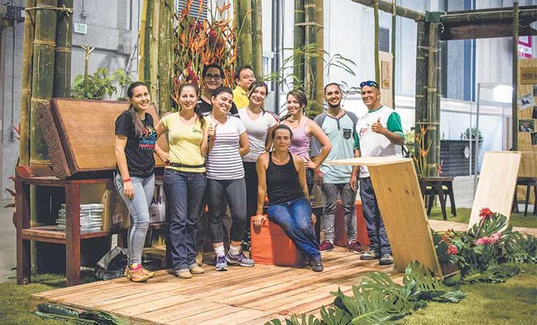 Creatividad de estudiantes se exhibió en la Expotur