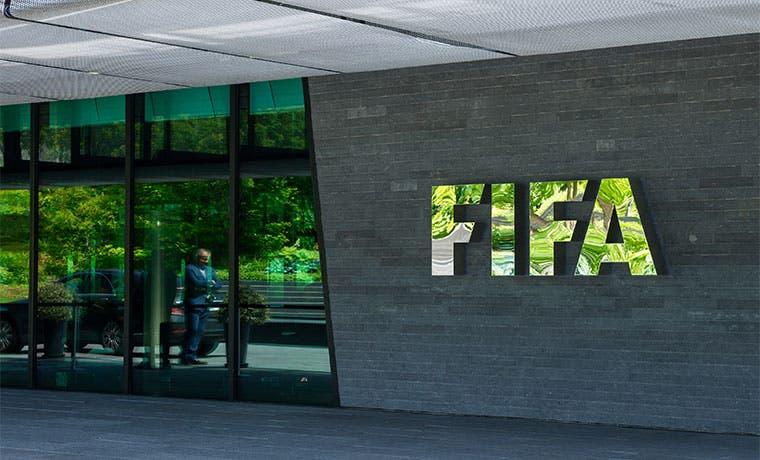 Firma jurídica de FIFA capta segundo cliente en el fútbol