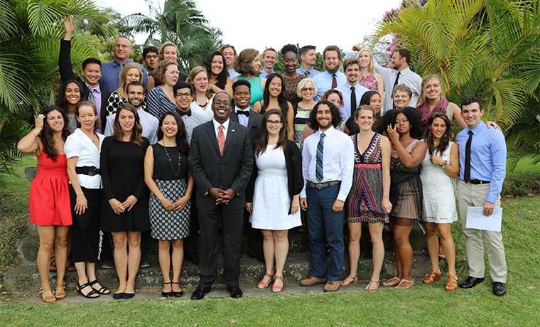 Voluntarios estadounidenses enseñarán inglés en escuelas y colegios