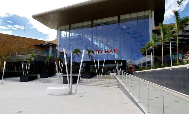 City Mall alquila parqueo para vehículos a personas que deban salir del país