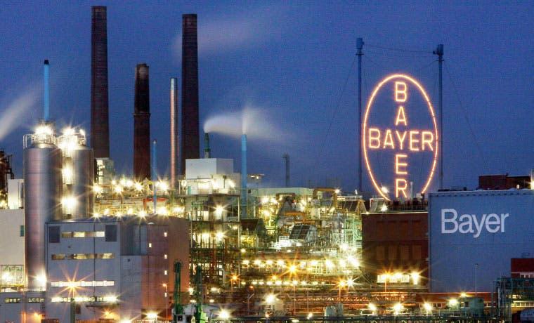 Bayer ofrece $62 mil millones para la compra de Monsanto