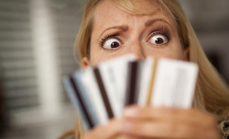 Deuda en tarjetas de crédito asciende a 3,20% del PIB