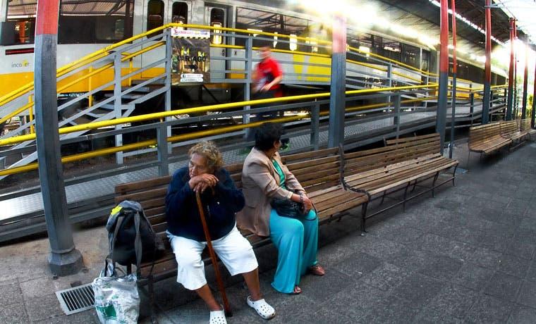 Incofer suspende 16 rutas de trenes por mantenimiento
